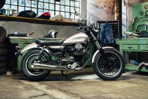 031816-moto-guzzi-v9-bobber-motoguzziv9-09