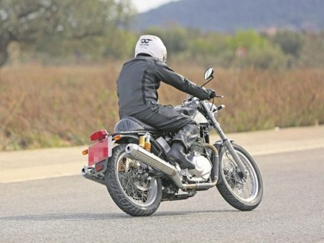 Royal-Enfield-twin-cylinder-bike-spied-600x450.jpg