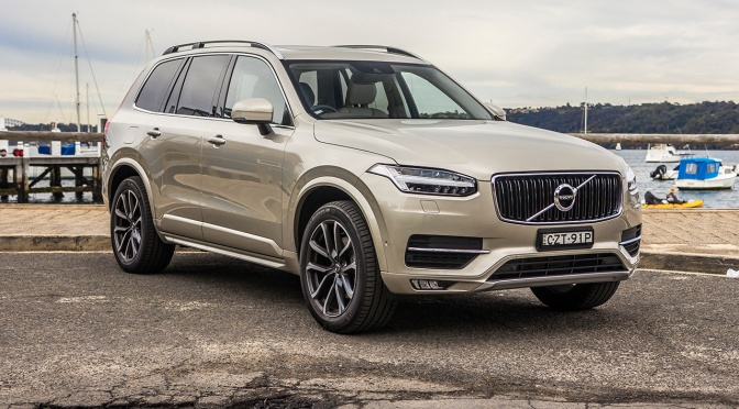 Volvo cars will talk to each other, very soon!